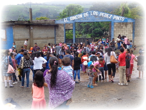 People gathering at El Rincón